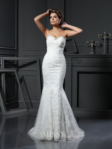 Sheath/Column Sleeveless Sweetheart Beading Net Court Train Wedding Dresses