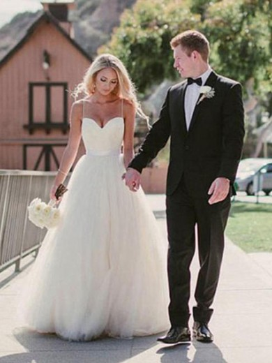 Sweetheart Ball Gown Sweep/Brush Sleeveless Train Tulle Wedding Dresses
