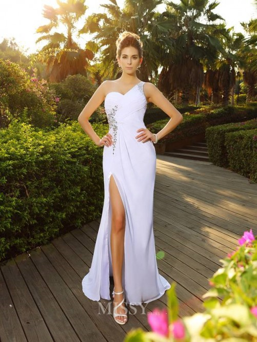 A-Line/Princess Beading Sleeveless One-Shoulder Court Train Chiffon Wedding Dress