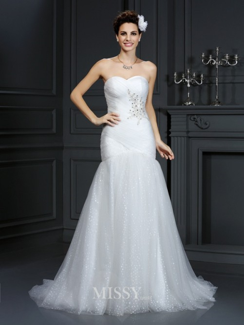 Sheath/Column Sleeveless Sweetheart Court Train Beading Net Wedding Dresses
