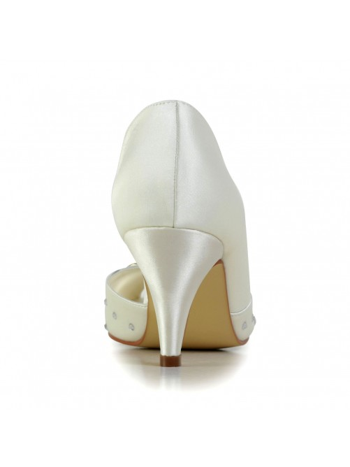 Nice Satin Low Heel Rhinestone Wedding Shoes