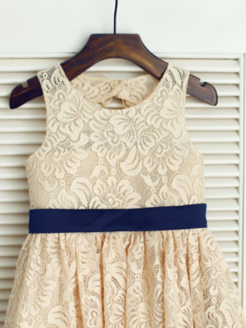 A-line/Princess Scoop Sleeveless Bowknot Tea-length Lace Dresses