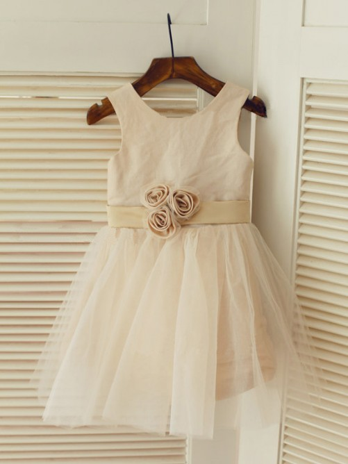 A-line/Princess Scoop Sleeveless Sash/Ribbon/Belt Tea-length Tulle Dresses