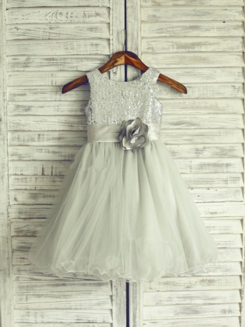 A-line/Princess Scoop Sleeveless Hand-Made Flower Knee-Length Organza Dresses