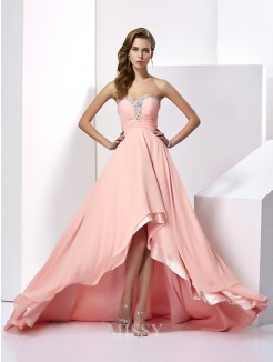 A-Line Chiffon Sleeveless Beading Sweetheart Sweep/Brush Train Dress