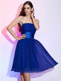 A-Line Strapless Sleeveless Bowknot Knee-Length Chiffon Dress