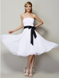 A-Line Strapless Sleeveless Chiffon Knee-Length Bridesmaid Dress