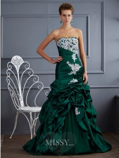Ball Gown Strapless Sleeveless Applique Sweep/Brush Train Taffeta Dress