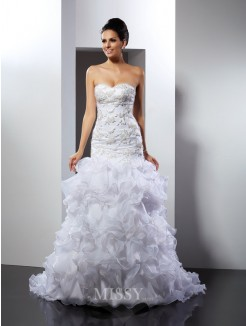 Trumpet/Mermaid Sleeveless Sweetheart Beading Chapel Train Organza Wedding Dress