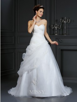 Ball Gown Sweetheart Beading Sleeveless Court Train Organza Wedding Dress