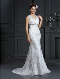 Sheath/Column V-neck Beading Sleeveless Sweep/Brush Train Lace Wedding Dress