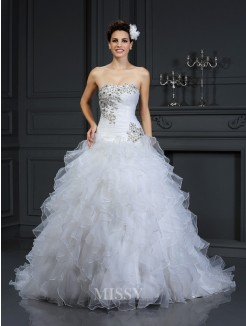 Ball Gown Strapless Sleeveless Beading Chapel Train Organza Wedding Dress
