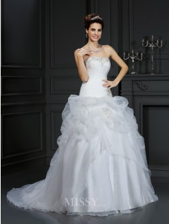 Ball Gown Strapless Beading Sleeveless Court Train Organza Wedding Dress