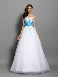Ball Gown Sleeveless Sweetheart Floor-Length Satin Beading Dresses