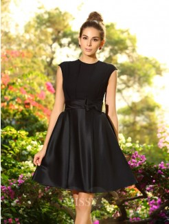 A-Line/Princess Sleeveless High Neck Knee-Length Bowknot Satin Bridesmaid Dresses