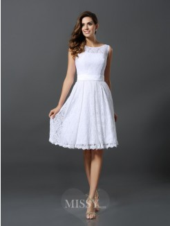 A-Line/Princess Sleeveless Scoop Knee-Length Lace Bridesmaid Dresses