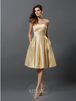 A-Line/Princess Sleeveless Taffeta Strapless Knee-Length Bridesmaid Dresses
