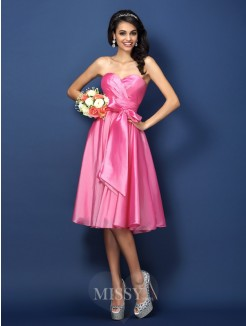 A-Line/Princess Sleeveless Sweetheart Bowknot Knee-Length Taffeta Bridesmaid Dresses