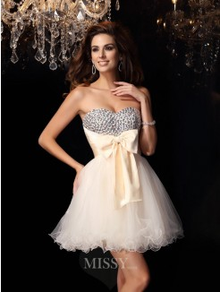 A-Line/Princess Sweetheart Tulle Beading Sleeveless Short/Mini Dress