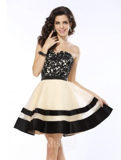 A-Line/Princess Sleeveless Sweetheart Applique Short/Mini Organza Dresses