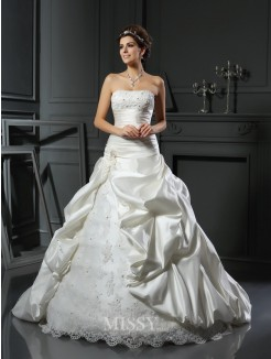 Ball Gown Sleeveless Sweetheart Satin Applique Court Train Beading Wedding Gown