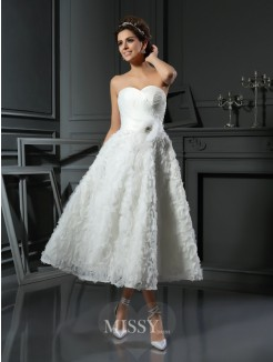 A-Line/Princess Sleeveless Sweetheart Satin Tea-Length Bowknot Wedding Dresses