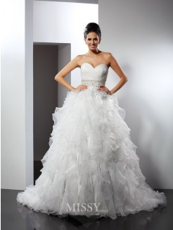Ball Gown Sleeveless Sweetheart Ruffles Chapel Train Organza Wedding Dress