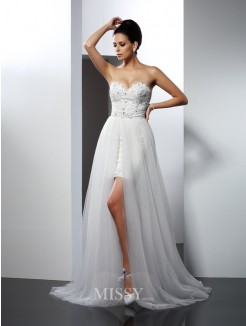 A-Line/Princess Sleeveless Sweetheart Applique Chapel Train Tulle Wedding Dress