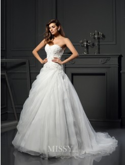 Ball Gown Sleeveless Sweetheart Organza Chapel Train Ruffles Wedding Dresses