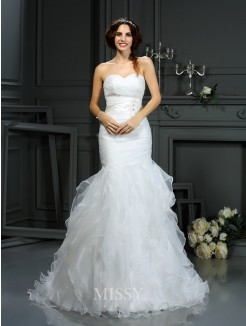 Trumpet/Mermaid Sweetheart Beading Court Train Sleeveless Organza Wedding Dress