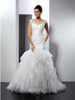 Trumpet/Mermaid Sleeveless V-neck Applique Cathedral Train Tulle Wedding Dress