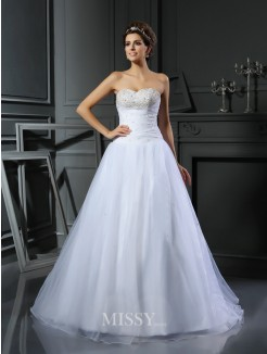 Ball Gown Sleeveless Sweetheart Satin Court Train Beading Wedding Gown