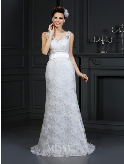 Trumpet/Mermaid Sleeveless Sweetheart Applique Chapel Train Lace Wedding Dress