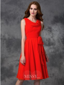A-line/Princess Sleeveless Ruffles Scoop Knee-length Chiffon Bridesmaid Dress