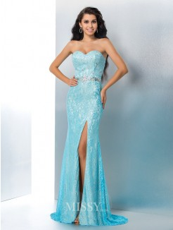 Sheath/Column Sleeveless Sweetheart Lace Sweep/Brush Train Gown