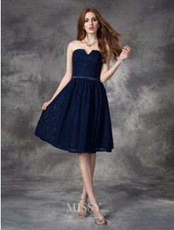 A-line/Princess Sleeveless Sweetheart Lace Knee-Length Bridesmaid Dresses