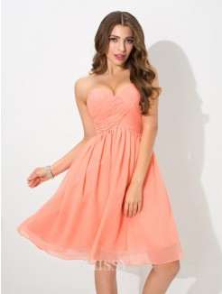A-Line/Princess Sleeveless Sweetheart Pleats Knee-Length Chiffon Bridesmaid Dress