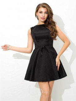 A-Line/Princess Sleeveless High Neck Sash/Ribbon/Belt Mini Satin Cocktail Dress