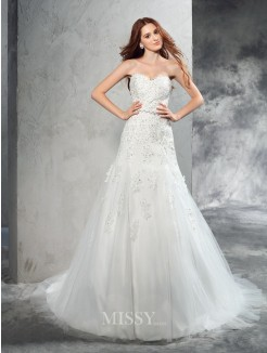 Sheath/Column Sleeveless Sweetheart Applique Court Train Satin Wedding Dresses