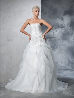 Ball Gown Sleeveless Strapless Tulle Beading Chapel Train Wedding Gown