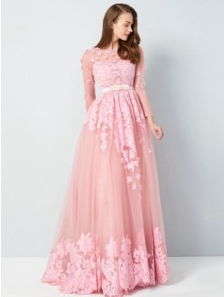 A-Line/Princess Scoop 3/4 Sleeves Floor-Length Applique Tulle Grad Dress