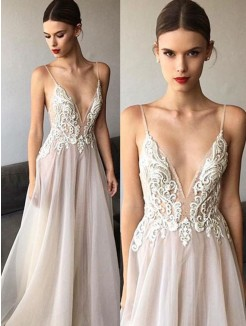 A-Line/Princess Sleeveless V-neck Sweep/Brush Train Spaghetti Straps Lace Tulle Wedding Dresses