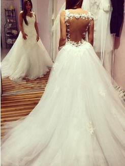 Ball Gown Sleeveless Train Tulle Sweetheart Applique Chapel Wedding Dresses