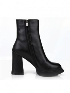 Fashion Black Cattlehide Leather Boots