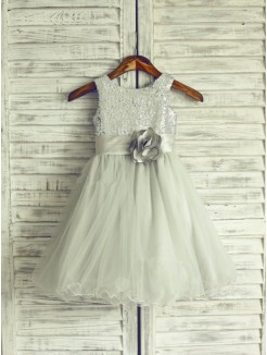 A-line/Princess Scoop Sleeveless Hand-Made Flower Floor-length Organza Dresses