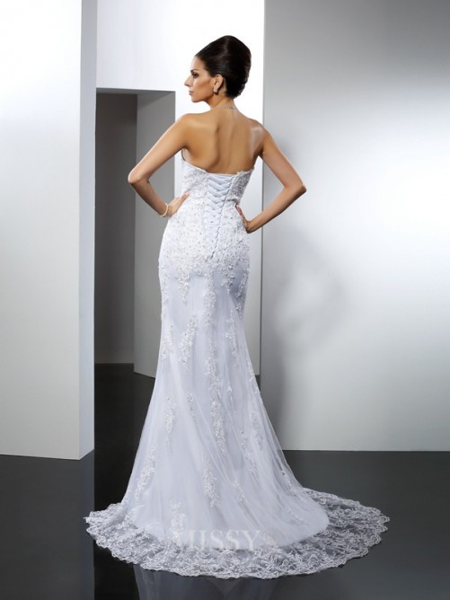 Trumpet/Mermaid Sleeveless Sweetheart Lace Court Train Satin Wedding Dresses