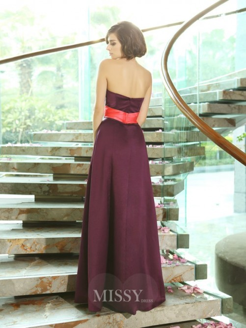 A-Line/Princess Sleeveless Sweetheart Satin Ruched Floor-Length Dresses