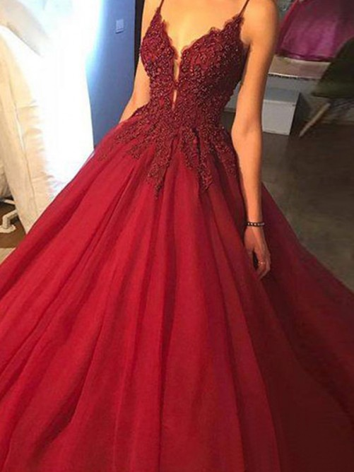 Ball Gown Sweep/Brush Train Sleeveless Spaghetti Straps Applique Tulle Dresses