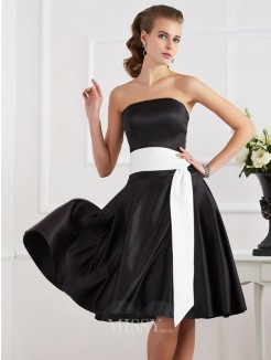 A-Line Strapless Sleeveless Sash/Ribbon/Belt Knee-Length Satin Dress