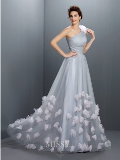A-Line/Princess Sleeveless One-Shoulder Hand-Made Flower Floor-Length Net Dresses